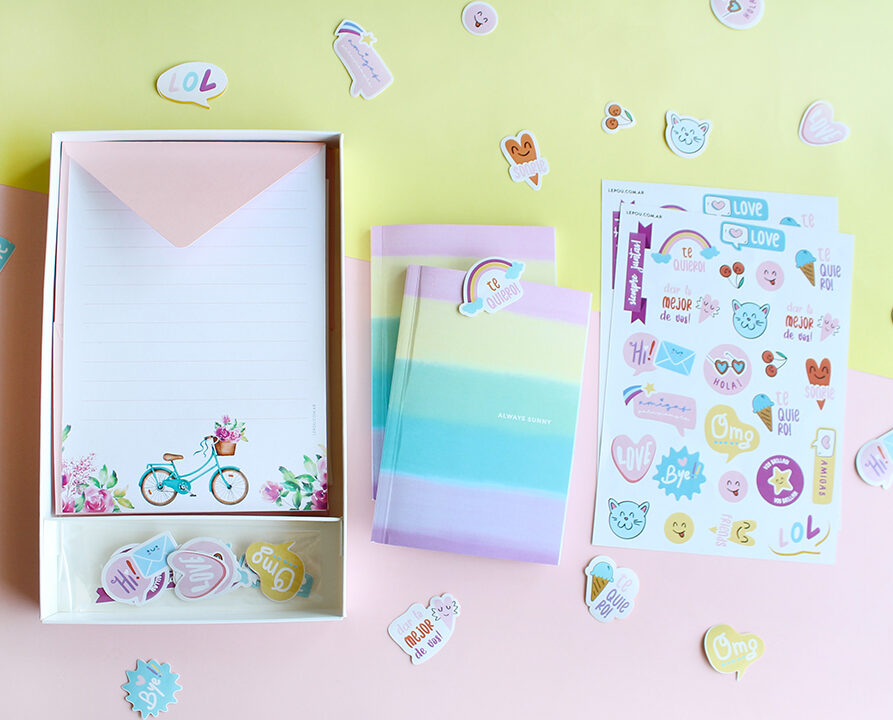 "Combo Set de papeles de carta ""Flores"" + 1 Cuaderno + 2 Planchas Stickers"